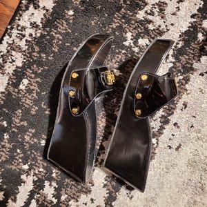 Authentic size 8.5 Tory burch wedges